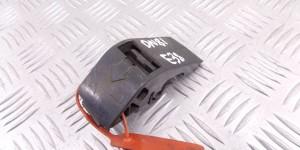 Кронштейн пластмассовый Кронштейн радиатора BMW 7-series (E38) 1737709